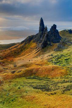 old man of storr scotland | scotland hiking | scotland hiking trails Scotland Travel, Ireland Travel, Scotland Hiking, Galway Ireland, Cork Ireland, Ireland Vacation, Edinburgh Scotland, Scottish Highlands, Nature Photography