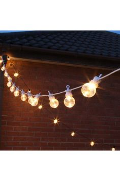 Traditional 8m indoor & outdoor warm white festoon lights. These lights are perfect for brightening up your home/garden or warming up a wedding.