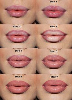 Wenn Du möchtest, dass Deine Lippen voller aussehen, kannst Du einfach in der Mitte Deiner Lippen hellen Stift auftragen. | 41 super Schönheits-Tricks, die faule Frauen kennen sollten
