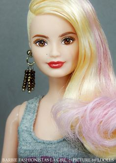 I went to the supermarket yesterday and saw this cute Barbie Fashionista and I couldn't leave her all alone there... Cheating sometimes on my Integrity Toys dolls is not that bad...