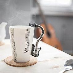 Gadget Master Musik Tasse E Gitarre Décor mit Noten schwarz Gadgets Online, Deco, Tableware, Tea Time, Sheet Music, Guitar, Round Round, Musik, Gifts