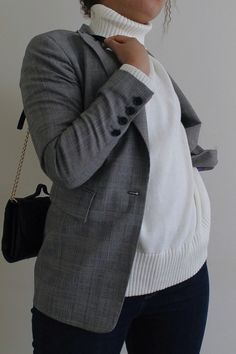 Top picks: Nothing beats these women's turtleneck sweaters. #style#outfitideas#outfit#fashion#winter#winterfashion#shopping#shop Ethical Fashion, Slow Fashion, Winter Fashion Outfits, Chic Outfits, Turtleneck, Beats, Preppy, Personal Style, Men Sweater