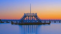 A tranquil morning sunrise at Geelong Waterfront Seabaths #sunrise #earlymorning #daybreak #goldenhour #geelongwaterfront #easternbeach #seaside #seabaths #geelong #victoria #placestovisit #longdaytimeexposure #nikon #ndfilters #nd10 #kenco #tranquility #peaceful by cjaystein http://ift.tt/1JtS0vo