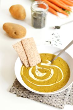 Christmas starter: Green lentil soup with cumin (vegan, gluten-free) – Sweet & Sour Easy Soup Recipes, Vegetarian Recipes, Vegetarian Lifestyle, Christmas Starters, Quick And Easy Soup, Green Lentils, Healthy Drinks, Vegan Gluten Free, Creme