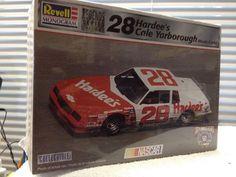 Revell Cale Yarborough HARDEES #28 '84 Monte Carlo NASCAR 1/24th Model Kit  1998 #RevellMonogram