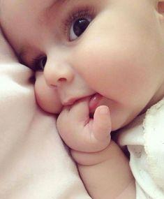 24 ideas baby girl wallpaper boys for 2019 Cute Baby Boy, Cute Little Baby, Baby Kind, Little Babies, Baby Love, Baby Baby, Cute Kids Pics, Cute Baby Girl Pictures, Baby Girl Names 2016