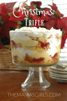 Christmas Trifle - It's easier than it looks & so impressive! themamasgirls.com
