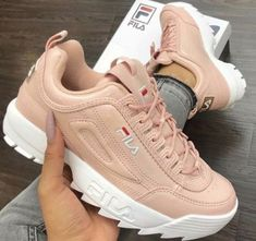 New sneakers fila shoes 61 ideas Neue Turnschuhe Fila Schuhe 61 Ideen Sneakers Looks, New Sneakers, Air Max Sneakers, Sneakers Fashion, Fashion Shoes, Sneakers Nike, 90s Fashion, Fashion Pics, Fashion Outfits