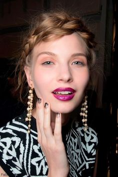 pretty mani and bright lips
