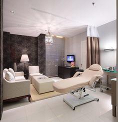 Erha Clinic Surabaya / HMP Architects -Surabaya, Indonesia