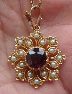 Fine Antique Victorian Gold Natural Amethyst and Natural Seed Pearl Pendant Gold Pendent, Pearl Pendant, Gold Earrings Designs, Gold Jewellery Design, Victorian Jewelry, Antique Jewelry, Gold Jewelry Simple, India Jewelry, Lockets