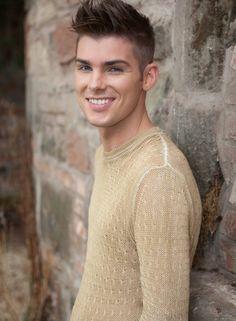 Kieron Richardson Kieron Richardson, Hollyoaks, Lgbt Love, Cute Guys, Sexy Men, It Cast, Men Sweater, Handsome, Teen Babes