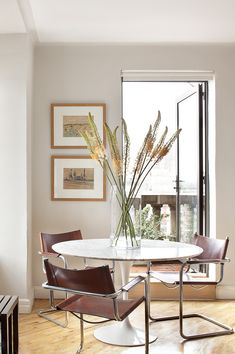 Greenwich Village Apartment I - Blair Harris Interior Design Furniture Layout, Dining Room Furniture, Dining Chairs, Dining Rooms, Dining Area, Small Dining, Small Space Living, Dining Corner, Family Room Design