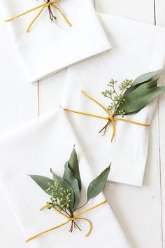 tischdeko-ideas-napkin ring-diy-www-deco home-de Thanksgiving Table Settings, Diy Thanksgiving, Christmas Table Settings, Christmas Table Decorations, Decoration Table, Aussie Christmas, All Things Christmas, Christmas Diy, Diy Wedding Menu