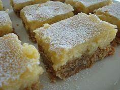 Himmelske kager: Havrekage med citroncreme Danish Dessert, Danish Food, Baking Recipes, Cake Recipes, Dessert Recipes, Food Cakes, Cupcake Cakes, Norwegian Food, Scandinavian Food