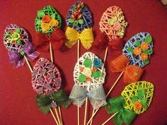 Pani Domu bloguje...: Ozdoby wielkanocne z papierowej wikliny - 37 świątecznych inspiracji Flower Crafts Kids, Easter Crafts, Crafts For Kids, Spring Crafts, Holiday Crafts, Paper Basket Weaving, Newspaper Crafts, Egg Decorating, Polymer Clay Crafts