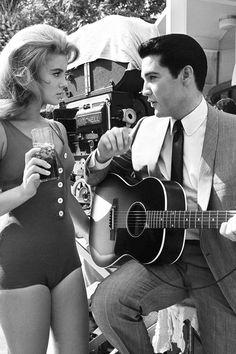 Elvis Presley and Ann Margret in Viva Las Vegas, 1964 Elvis And Priscilla, Priscilla Presley, Elvis Presley Movies, John Lennon Beatles, Buddy Holly, Ann Margret, Chuck Berry, Blond Amsterdam, 5d Diamond Painting