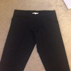 Victoria's Secret Leggings Victoria's Secret Leggings New without tags. Black. Inseam is 26in. Size L Victoria's Secret Pants Leggings