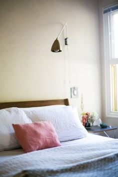 Artless and Amazing: 9 Beautifully Blank Walls That Still Work   Apartment Therapy