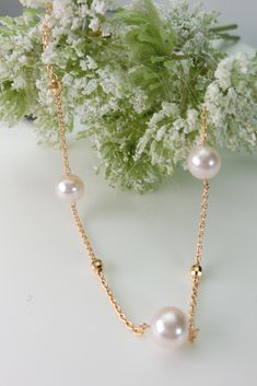 ネックラインを明るく見せてくれるパールネックレスを作りました Pearl Necklace, Pearls, Jewelry, Fashion, String Of Pearls, Moda, Jewels, Fashion Styles, Schmuck