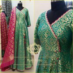 Brocade gown angrakha pattern with brocade dupatta Kurti Neck Designs, Salwar Designs, Kurti Designs Party Wear, Blouse Designs, Bandhani Dress, Choli Dress, Shrug For Dresses, Indian Gowns Dresses, Indian Designer Outfits