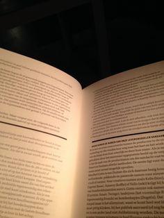 Mijn genietmomentje vanvandaag; zitten en lezen 28/365