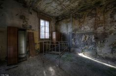 the-most-incredible-photos-in-abandoned-places-13