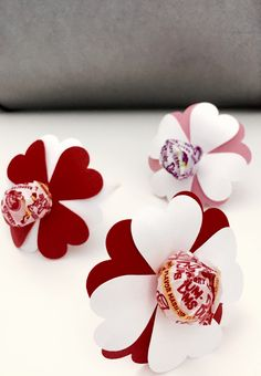 Adorable valentine grams. Found an easy DIY guide.