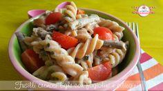 Ciao a tutti! Nuova idea per un'insalata di paste estiva e non... questo è un piatto che può essere gustato freddo d'estate oppure caldo in inverno, io ado