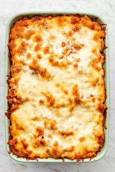 Classic Goulash Recipe, Italian Sausage Casserole, Easy Goulash Recipes, Italian Sausage Pasta, Meat Sauce, Tomato Sauce, Elbow Macaroni Recipes, Boxed Mac And Cheese