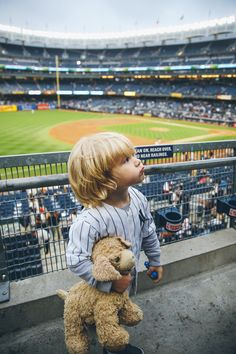David Takeover: Father and Son Baseball Game - Barefoot Blonde by Amber Fillerup Clark Future Life, Future Baby, Little Babies, Little Boys, Cute Babies, Bb Chat, Barefoot Blonde, Cute Little Things, Baby Kind