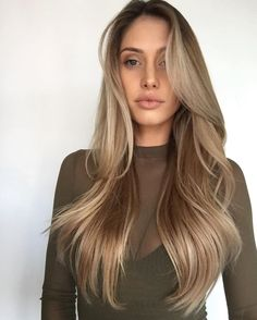 33 trendy ombre hair color ideas of 2019 - Hairstyles Trends Caramel Blonde Hair Dye, Dyed Blonde Hair, Sandy Blonde Hair, Summer Haircuts, Long Layered Haircuts, Balayage Hair, Ombre Hair, Dark Blonde Balayage, Bronde Haircolor
