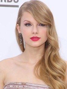 Taylor Swift Tolle Frisur Und Make Up Frisur Swift Taylor
