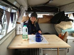 junkaholique: vw t2 camper Vw Camper, Vw Bus, Campers, Living On The Road, Campervan Interior, Christmas Travel, Wooden Case, Drinking Tea, How To Memorize Things