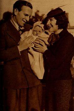 Burns & Allen with baby Sandra