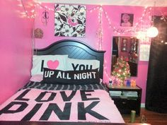 Pink i want this bed spread and room 3 *dream house