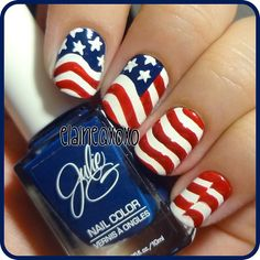 Patriotic 4th of July nails! This definitely requires a steady hand for a DIY manicure.