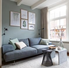 Small Living Room Ideas for Apartment. If you are dealing with a small living room, that does not mean you can not have a stylish and functional room. Small Living Rooms, Living Room Sets, Home Living Room, Apartment Living, Living Room Designs, Living Room Decor, Living Room Inspiration, Home Decor Inspiration, Living Room Interior