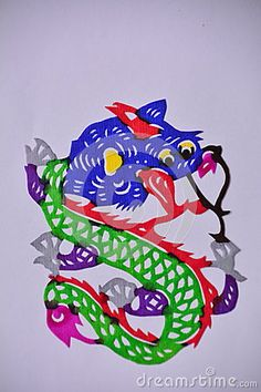 Chinese paper cutting skills have a thousand years of history, is a part of folk culture, it is rich in content, reflecting the local production and living conditions,