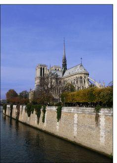 Carte Notre Dame de Paris vue des quais de Seine pour envoyer par La Poste, sur Merci-Facteur ! Rest Of The World, Places Around The World, Around The Worlds, Monuments, Pictures Images, Cathedral, Mansions, House Styles, Paris France