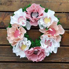 Let the Christmas bloom! Surprisingly my Sakura wreath is very popular as Christmas decoration   #sakura #sakurawreath #cherryblossom #cherryblossomwreath #wreath #frontdoorwreath #christmaswreath #christmasdecor #holidaywreath #festivewreath #etsylithuania #bohochic #bohowreath #bohochristmas #photographyprops #craftsposure #etsylithuania #balticscandi #lukh #handmade #etsyfinds #photooftheday #finditstyleit #pocketofmyhome #flowers
