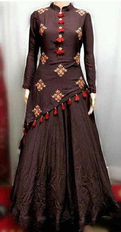 How To Hire Designer Fashion & Dresses Source by amycreations dresses indian Women's Dresses, Indian Gowns Dresses, Party Wear Dresses, Pakistani Dresses, Stylish Dresses, Fashion Dresses, Fashion Blouses, Elegant Dresses, Kurta Designs Women