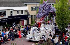 Sint Joris met de Draak - Wagenbouwersgroep Bloed, Zweet & Tranen, Brabantsedag Heeze (2012)
