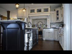 Great shot of the kitchen island/cabinets.