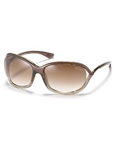Tom Ford sunnies, my fave pair right now.
