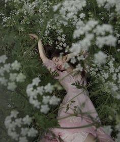 Creative Photography, Portrait Photography, Ethereal Photography, Photography Aesthetic, Forest Photography, Photography Flowers, Outdoor Photography, Image Photography, Photography Ideas
