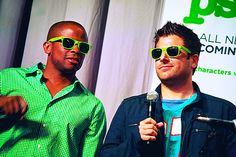Dulé Hill and James Roday Shawn And Juliet, Shawn And Gus, Best Tv Shows, Best Shows Ever, Favorite Tv Shows, Psych Cast, James Roday, The Mentalist, Black Men