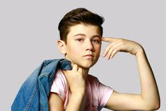 Alexander James Rodriguez Releases My Crew - DC Life Magazine James Rodriguez, Singing Lessons, Jason Derulo, North Hollywood, Magazine Articles, Songs To Sing, Pop Singers, Tv Commercials, Life Magazine