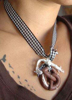 DIY Wiesn Brezel necklace for Oktoberfest