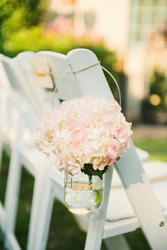 simple and pretty wedding decor idea Wedding Blog, Our Wedding, Dream Wedding, Renewal Wedding, Wedding Ceremony, Elegant Wedding, Rustic Wedding, Pink And White Weddings, Vintage Wedding Flowers